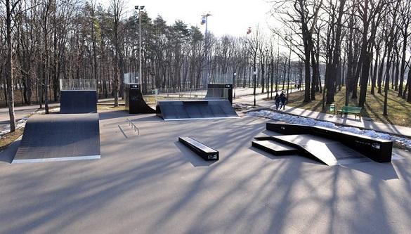 Стало відомо, коли на канівській набережній відкриють скейт-парк