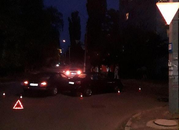 У Черкасах зіткнулися два легковики (ФОТО)