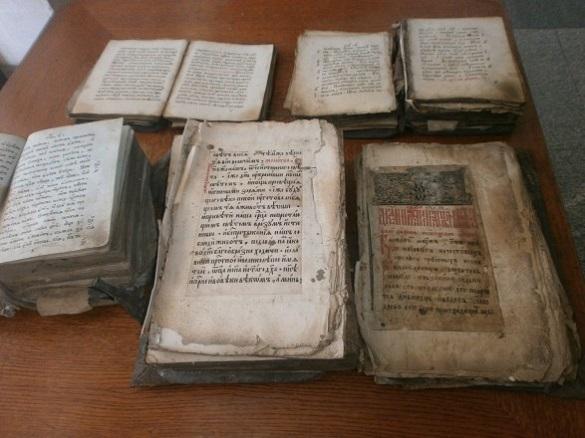 У Черкасах випадково знайшли церковні книги, яким близько 400 років