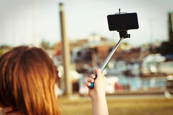 Фатальне селфі: на Черкащині 13-річна дівчина, фотографуючись на вагоні, отримала ураження струмом