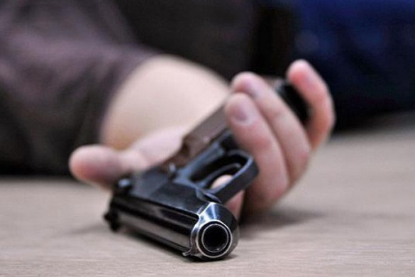 На Черкащині в автівці застрелився військовослужбовець