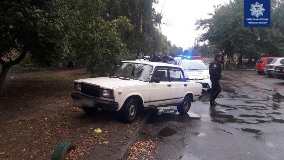 Патрульні затримали черкащан, які викрадали автомобілі