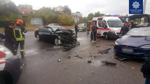 Внаслідок аварії на Митниці постраждали двоє черкащан (ФОТО)
