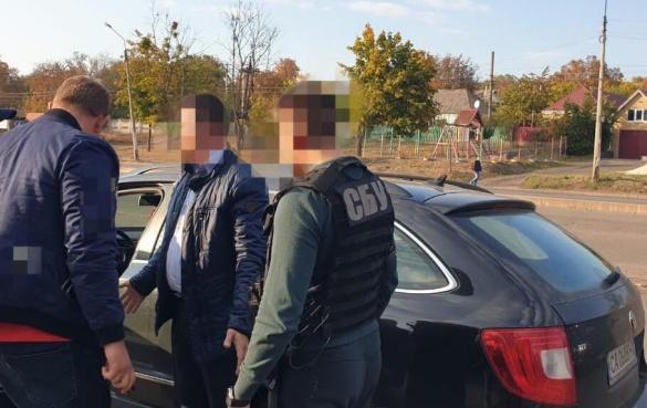 Вимагав хабар за приховування злочину: на Черкащині СБУ затримала прокурора