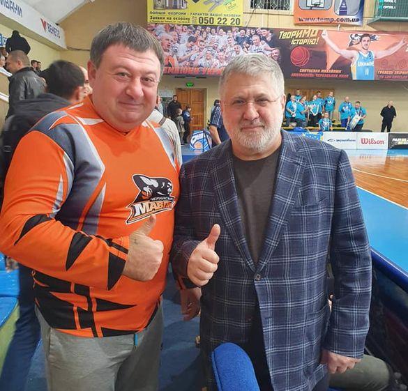 До Черкас приїхав олігарх Коломойський (ФОТО)