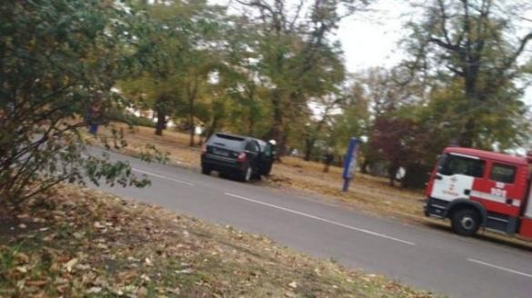 У центрі Черкас спалахнула машина (ФОТО)