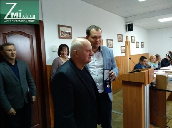 Головному лікарю черкаської лікарні вручили медаль (ФОТО)