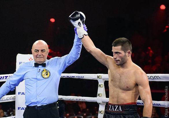 Успішно повернувся у ринг: черкаський боксер здобув чергову перемогу на професійному рівні