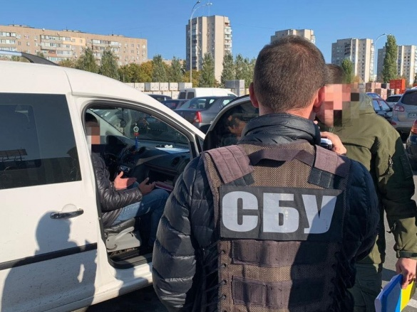 На Черкащині СБУ затримала високопоставленого чиновника, який вимагав гроші у бізнесмена