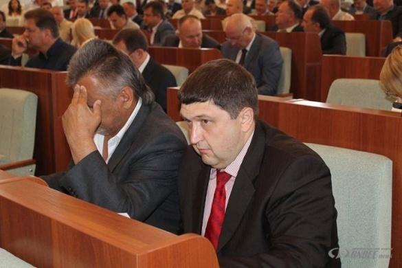 Екс-радикал на сесії Черкаської облради хоче скласти свій депутатський мандат