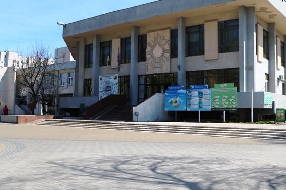 Черкасці наполягають на реконструкції фасаду ЦДЮТ