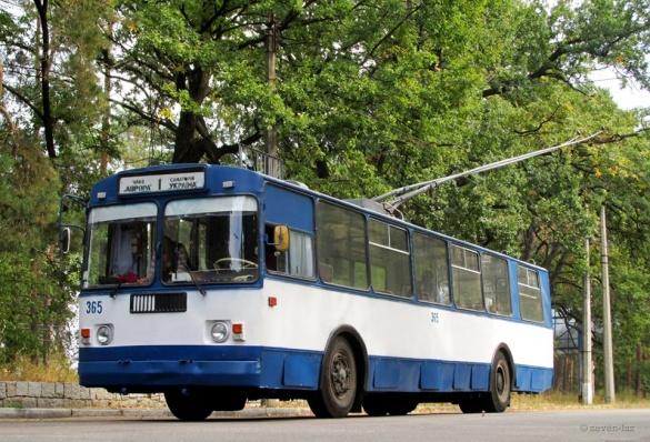 Курсуватимуть як у вихідні: у понеділок тролейбуси у Черкасах змінять рух