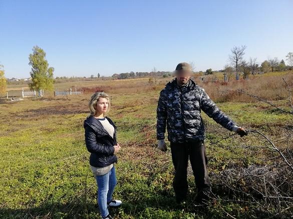 Прибирають парки та кладовища: на Черкащині правопорушники виконують суспільно корисні роботи