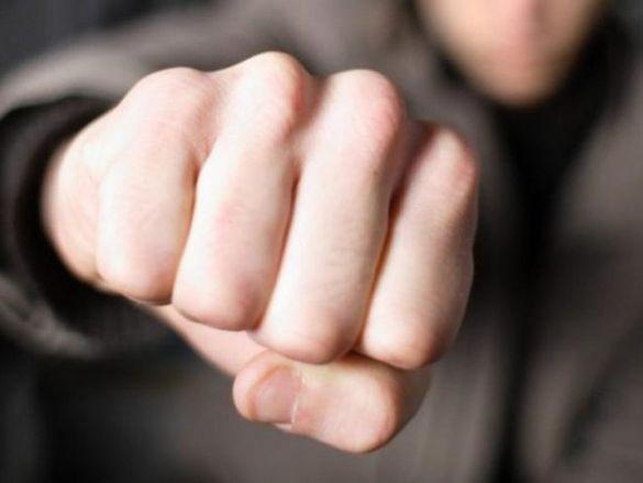 У Черкасах двоє осіб напали на прокурора