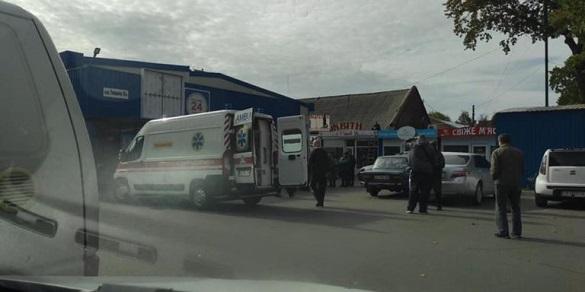 Поліція відреагувала: на Черкащині на жінку із дитиною впала вітрина магазину