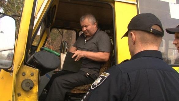 Через порушення вимог технічного стану в Черкасах зняли два автобуси з маршруту