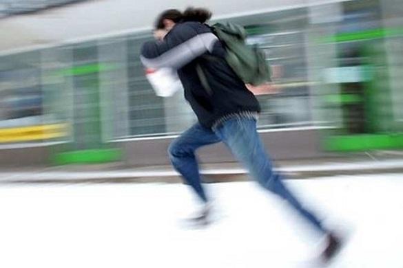 Розрахувався фальшивою купюрою: у Черкасах поліція затримала чоловіка, який тікав від працівників магазину