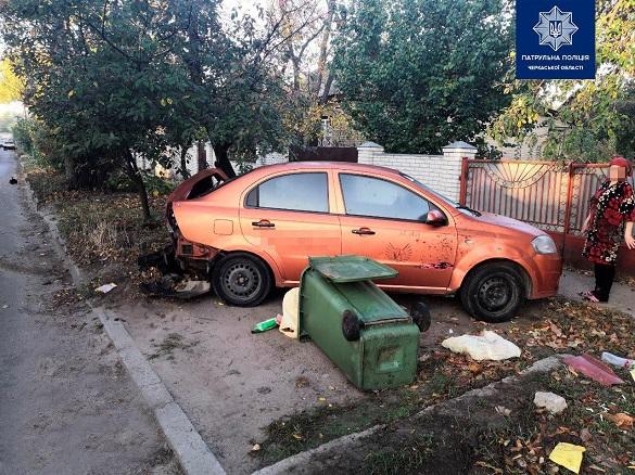 У Черкасах втрапили в ДТП на краденій автівці та втекли