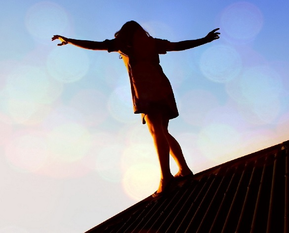 Прогулянка на даху: жінку оштрафували за неналежне виконання своїх батьківських обов'язків