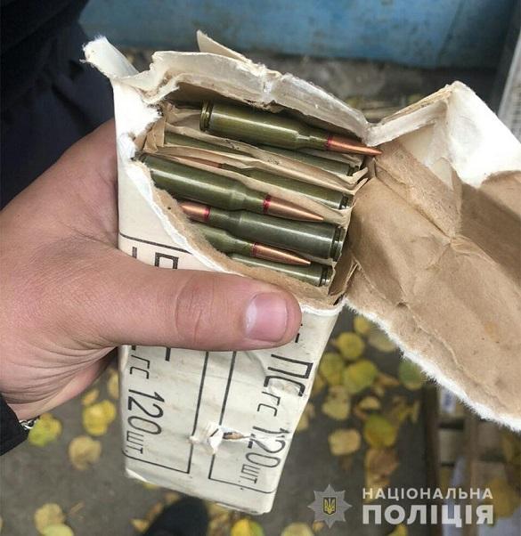 На Черкащині чоловік зберігав набої до автомата Калашникова