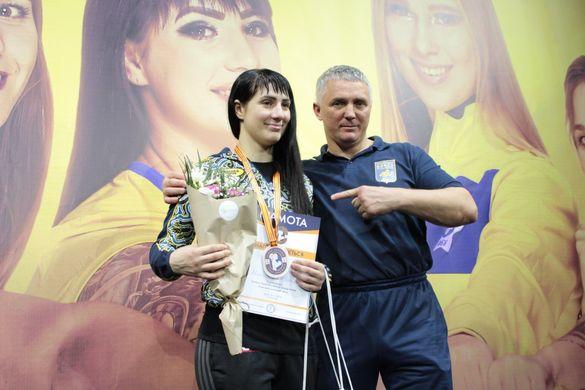 Дві черкащанки перемогли на Кубку України з боксу в Черкасах