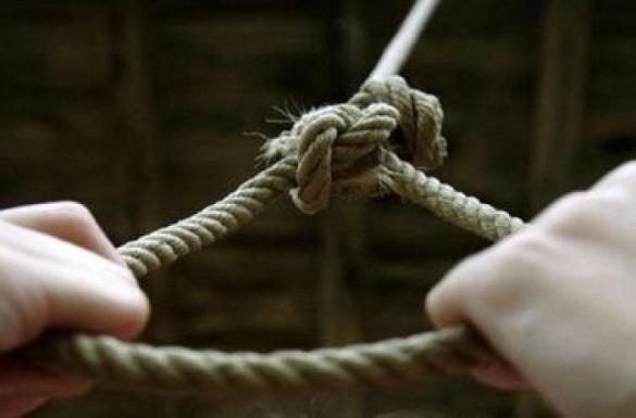 В Умані 36-річного чоловіка знайшли у зашморгу (ВІДЕО)