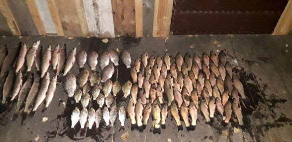 На Черкащині чоловік виловлював рибу шістьма сітками
