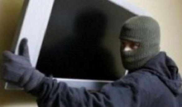 На Черкащині чоловік викрав телевізор в односельчанки
