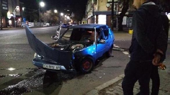 У середмісті Черкас сталася ДТП за участі автобусу (ФОТО)
