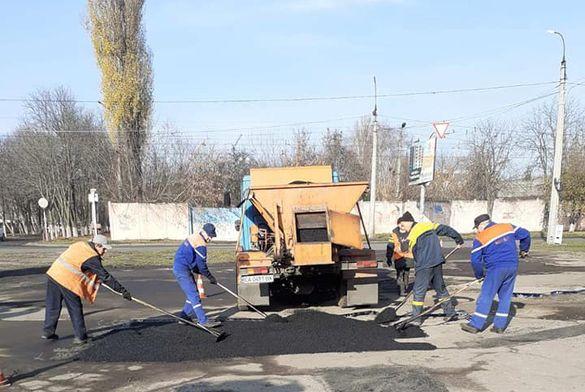 Черкаські комунальники підлатали декілька доріг
