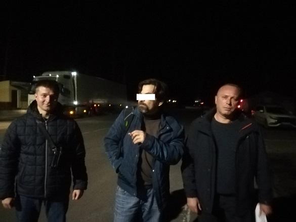 Черкаські міграційники вигнали росіянина з України