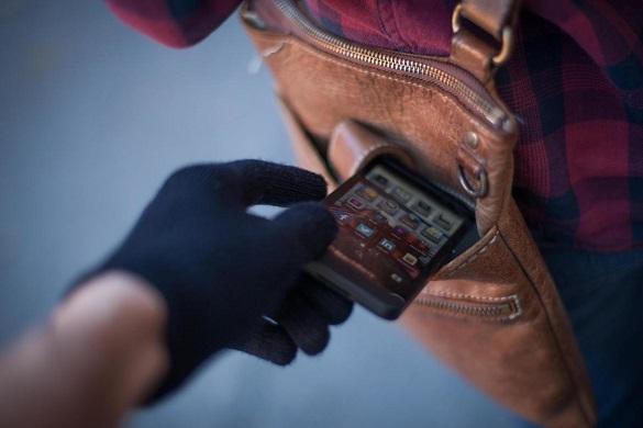 Черкащинина засудили за крадіжку телефону