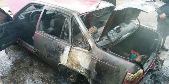 Через коротке замикання електропроводки, у Черкасах загорівся автомобіль