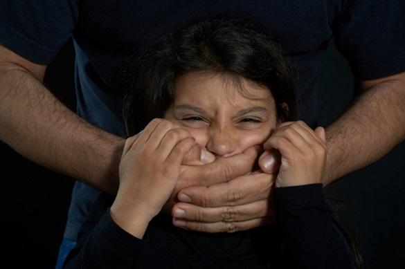 Черкасця, який грабував та розбещував неповнолітніх, засудили до 9 років ув'язнення