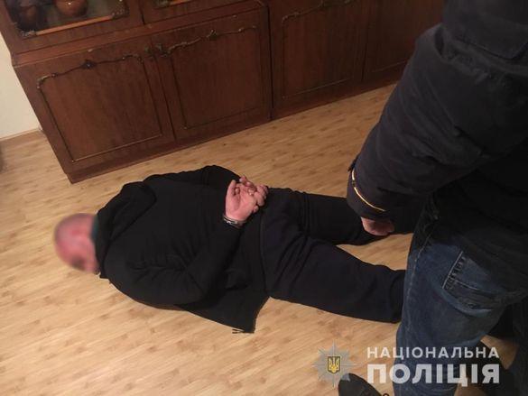 Катували і заволоділи майном: поліція Черкащини затримала зловмисників, які причетні до вбивства дідуся (ФОТО)