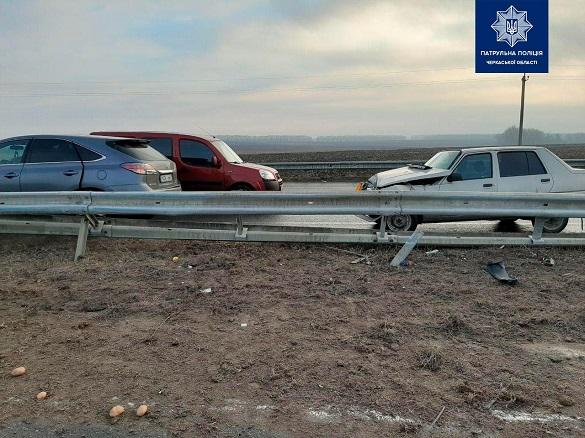 На Черкащині зіткнулися дві автівки (ФОТО)