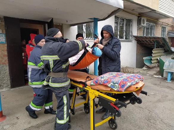 Рятувальники допомогли черкащанці дістатися до лікарні (ФОТО)