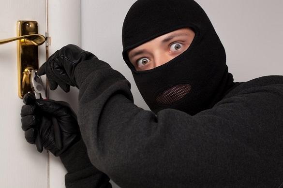 На Черкащині зловмисника, який грабував будинок, впіймали на гарячому
