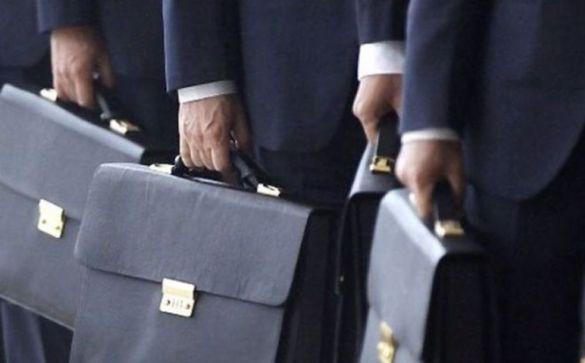 Уникнули сплати податків: двом черкаським посадовцям повідомлено про підозру