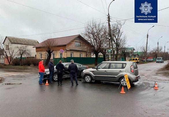 На проблемному перехресті у Черкасах сталася ДТП (ФОТО)