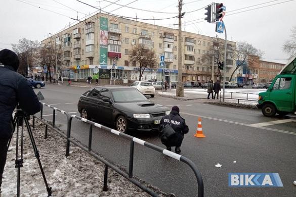 У Черкасах посеред вулиці збили жінку (ФОТО)