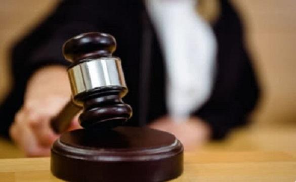 Суд  пом'якшив вирок неповнолітній студентці, яка вбила своє немовля