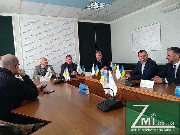 На Черкащині в рамках співпраці представники діджитал-оператора відвідали Черкасиобленерго