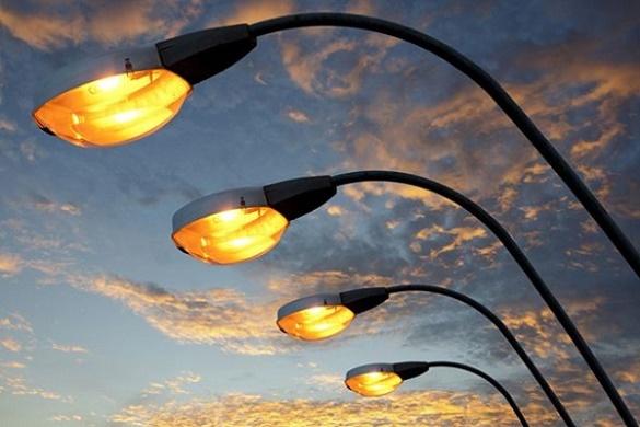 Черкасцям пояснюють, чому вдень можуть горіти вуличні ліхтарі