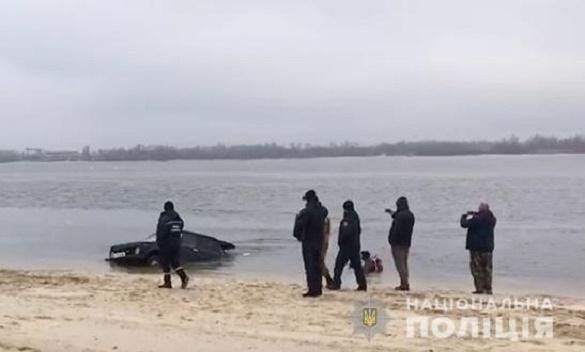 Покинув автівку: на Черкащині бракон'єр-втікач не впорався з керуванням та заїхав у Дніпро