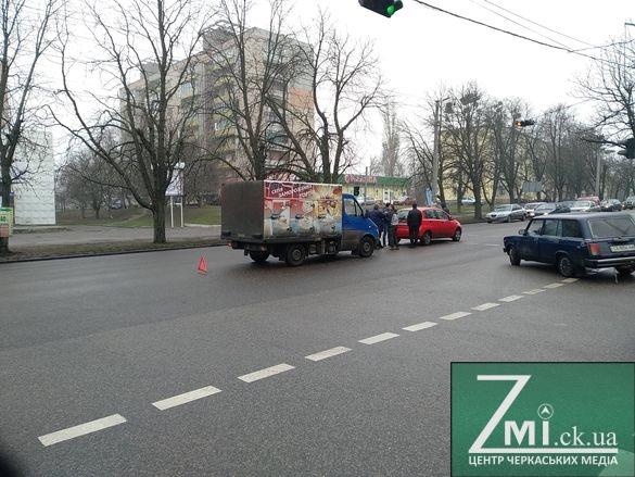 Визнав провину: у Черкасах на одній з вулиць сталась ДТП (ФОТО)