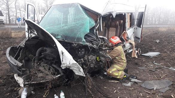 На Черкащині в страшній ДТП постраждало четверо осіб (ФОТО)