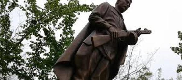 Один із підприємців на Черкащині безкоштовно відремонтує скульптуру воїна-визволителя часів Другої світової війни