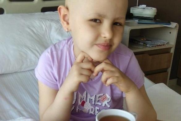 Маленька черкащанка повернулася додому після довготривалого лікування хвороби в Туреччині