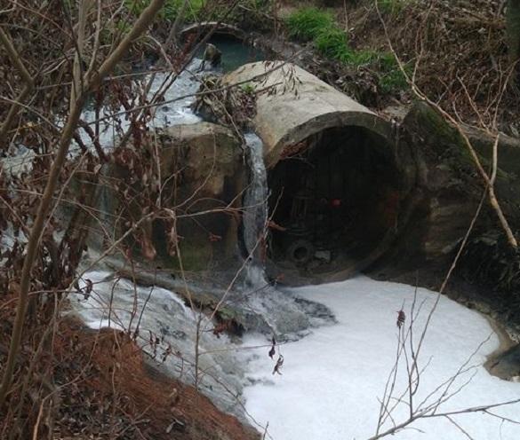 Стали відомі результати досліджень нечистот, які зливали до Дніпра (ВІДЕО)